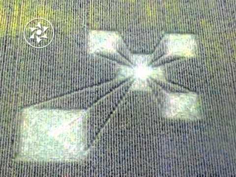 señal cruz círculo de trigo